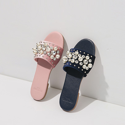 [VELYSOME] Embellished Leatherette Slippers