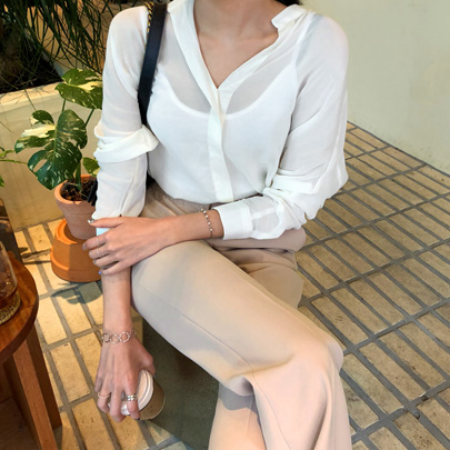 Long Sleeve Collarless Blouse