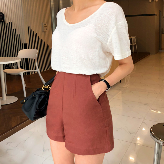 High-Waist Side Zip Linen Shorts