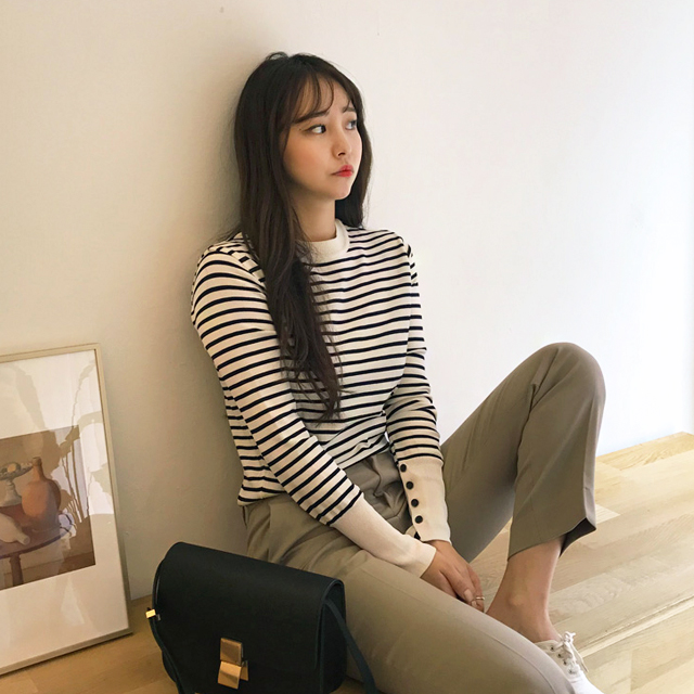 Crew Neck Striped Knit Top
