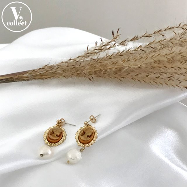 [V,Collect] Cameo with Pearl Earrings
