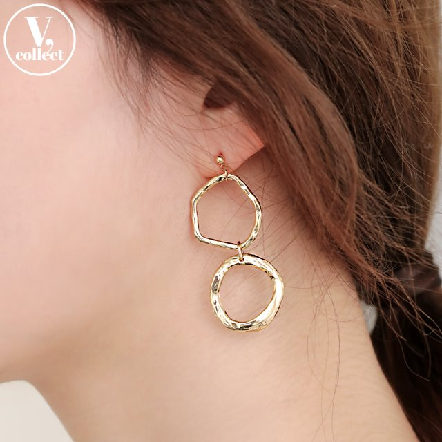 [V,Collect] Gold-Tone Mismatched Dangle Earrings