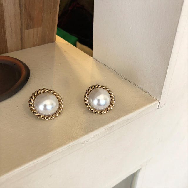Twist Accent Faux Pearl Earrings