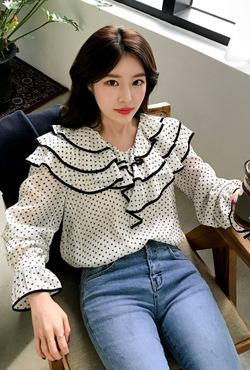 Tiered Collar Printed Blouse