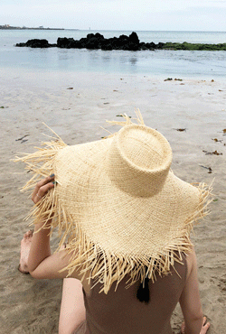 [SUMMER VELY] Frayed Wide Brim Straw Hat
