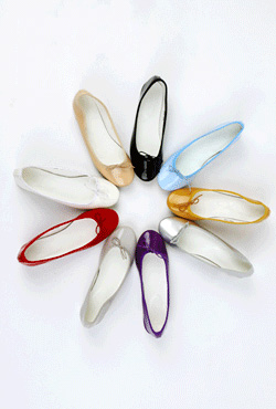Ribboned Low Heel Pumps