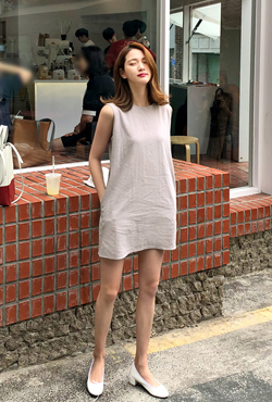 Sleeveless Mid-Thigh Shift Dress