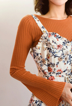 Flared Sleeves Knit Orange Top