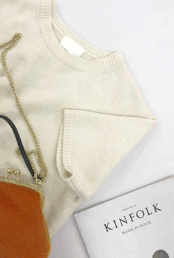 Round Neck Half Sleeve Knit Top