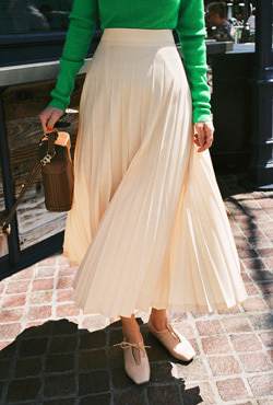 Semi-Elasticated Waist Pleated Skirt