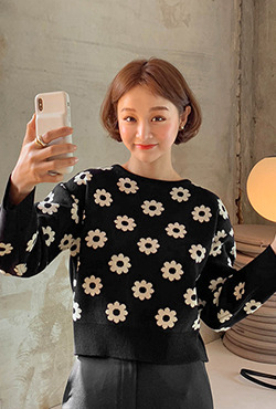 Floral Pattern Cropped Knit Top